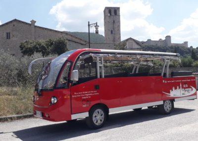 Foto minibus a Spoleto-City Red Bus 8