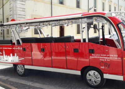 Foto minibus a Spoleto-City Red Bus 9